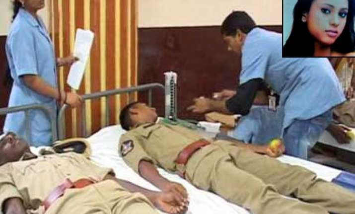 angels in uniform cops donate blood to an ailing model
