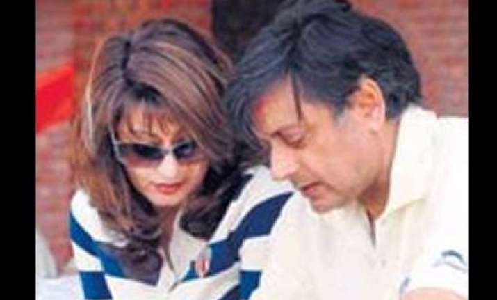 one thousand people to attend shashi sunanda wedding