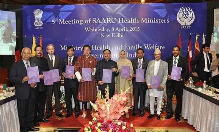 india offers support to make saarc polio free