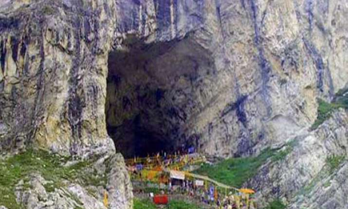 seventh batch of 2 614 pilgrims leave for amarnath yatra