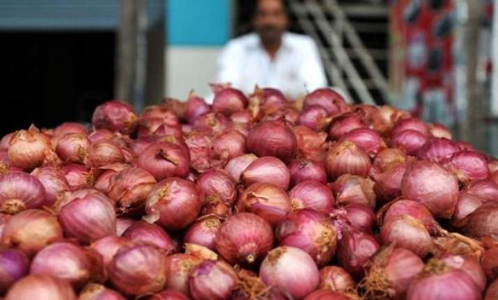 onions turns dearer prices likely to go up further
