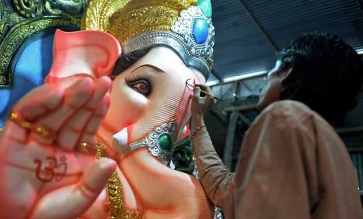 hinduism fastest growing religion in pakistan and saudi