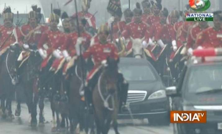 republic day celebration obama arrives in own vehicle for