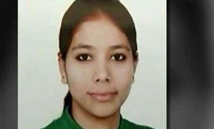 delhi girl murdered body found in ventilator shaft at male