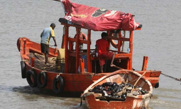 pakistan apprehends 12 boats 65 fishermen off gujarat coast