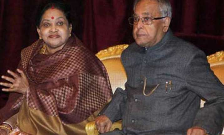president pranab mukherjee s wife admitted to hospital
