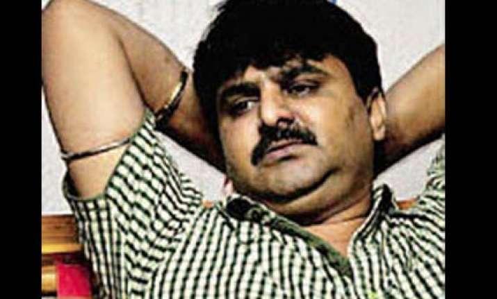 chhota rajan calls up crony denies killing tanashah