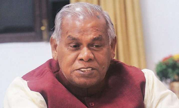 manjhi refuses to vacate cm s bungalow until nitish moves