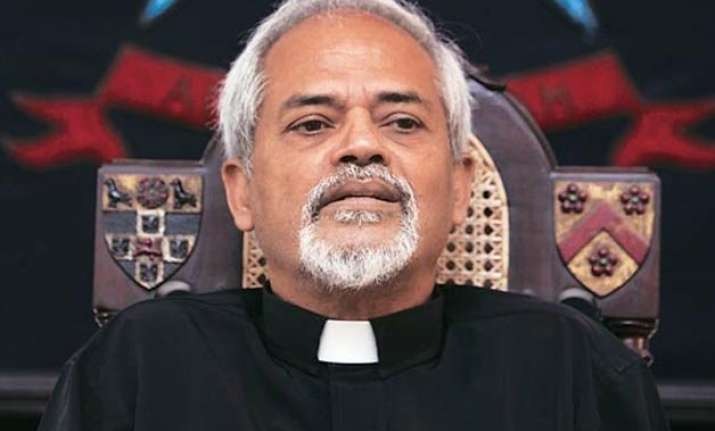 stephen s molestation row thampu offers to resign