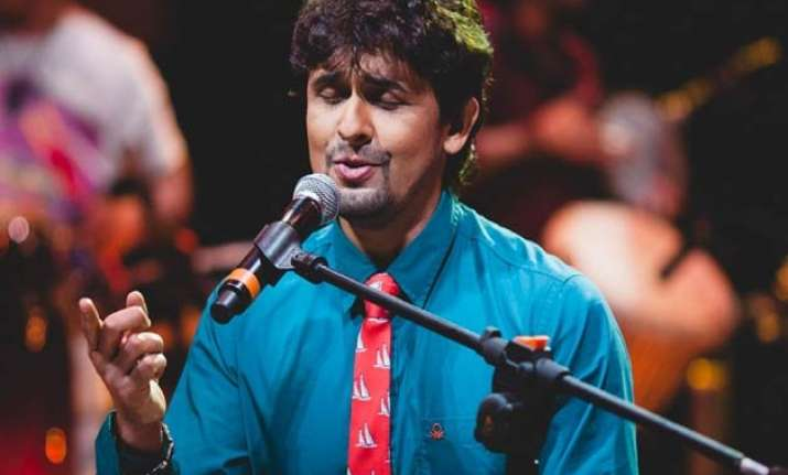 sonu nigam banned by a tv channel for supporting kumar