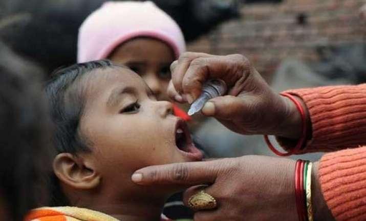 india offers pakistan full cooperation for polio eradication
