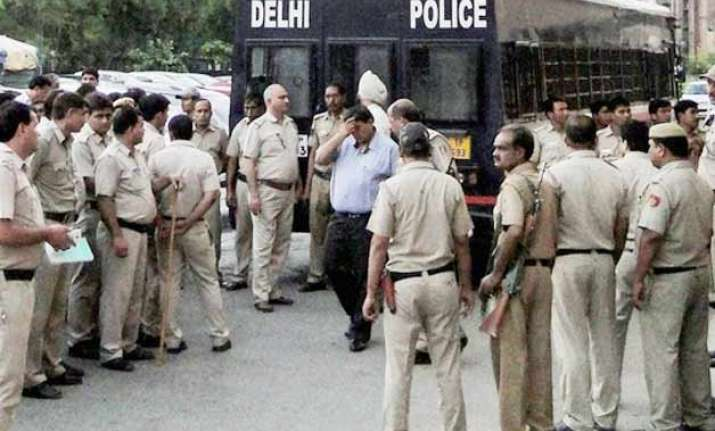 tihar inmate killed in fight inside moving prison van