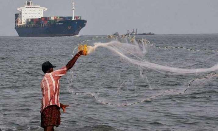 sri lanka arrests 54 indian fishermen