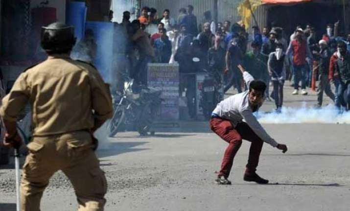 clashes in srinagar