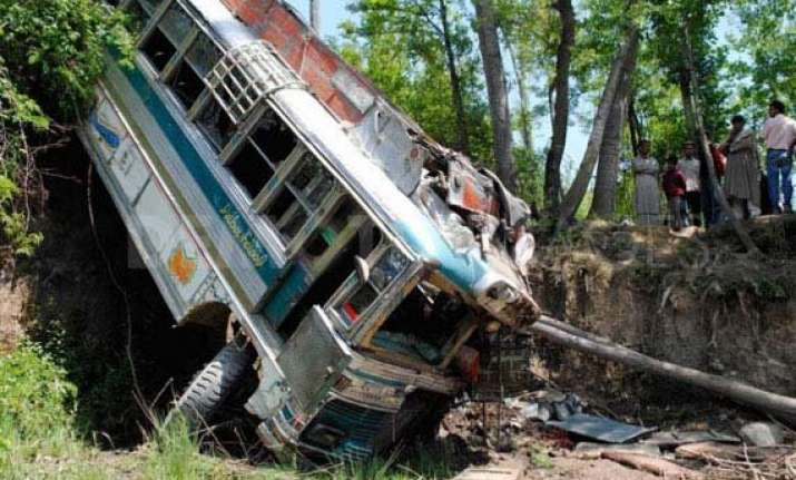 one killed in jammu and kashmir accident