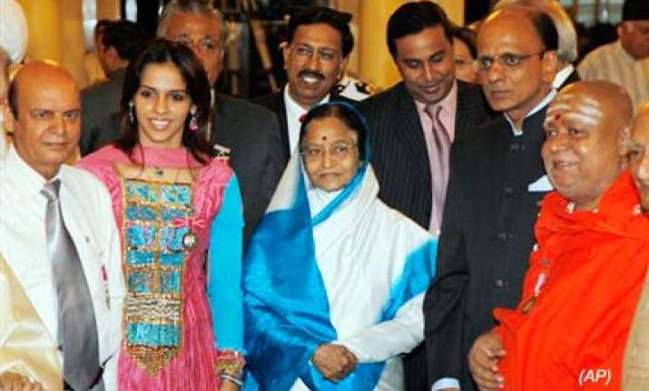 president confers padma awards