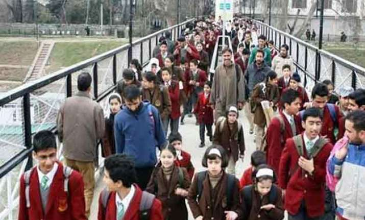 winter vacations of schools in kashmir extended by a week