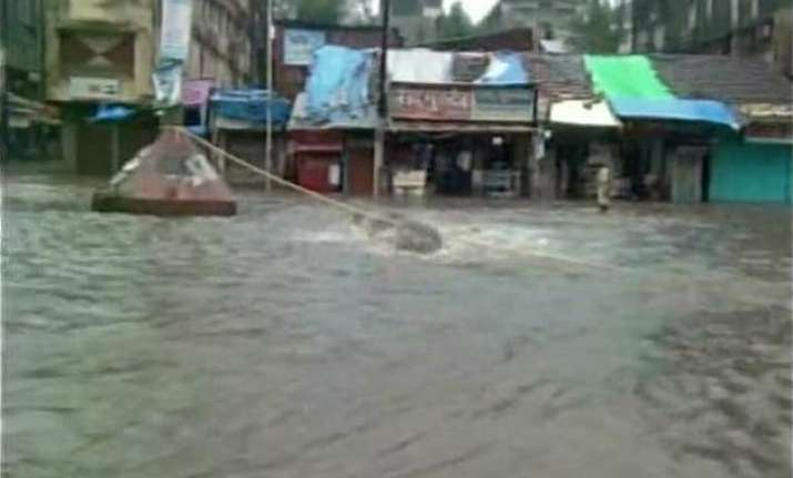 heavy rains throw life out of gear in mumbai