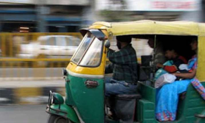 taxi fare raised by rs 2 in mumbai