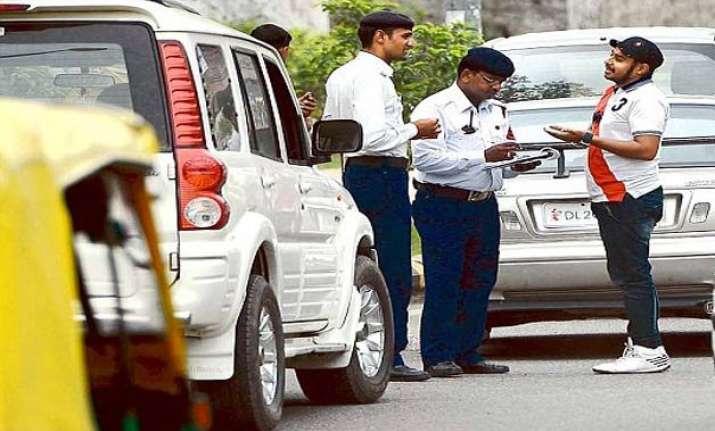 over 85k complaints on delhi traffic police s whatsapp