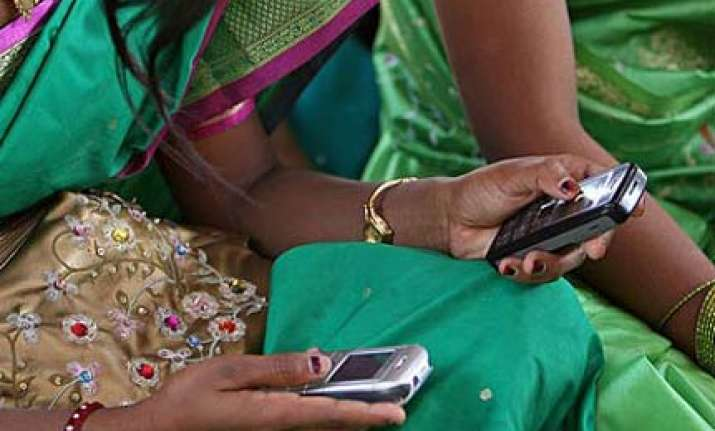 30 lakh cellphones disconnected due to incomplete