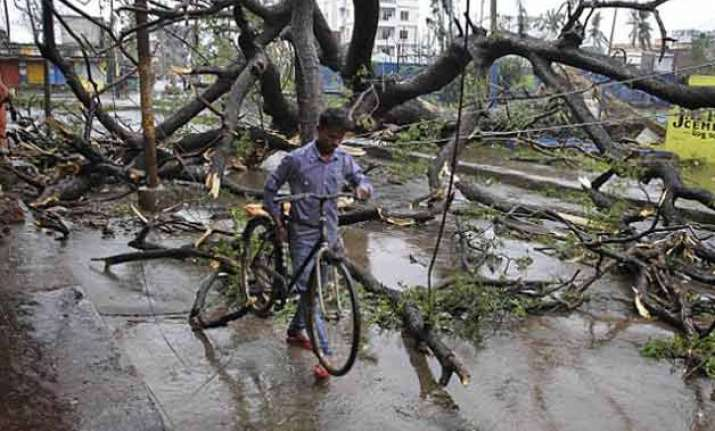 1 killed several injured as storm hits mathura