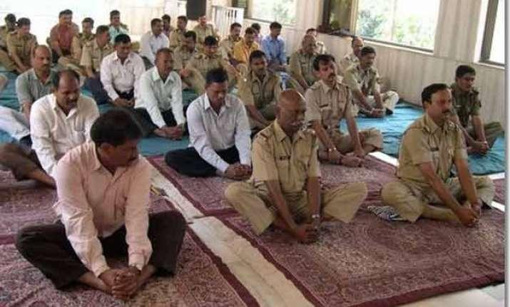 govt plans to make yoga mandatory for cops paramilitary
