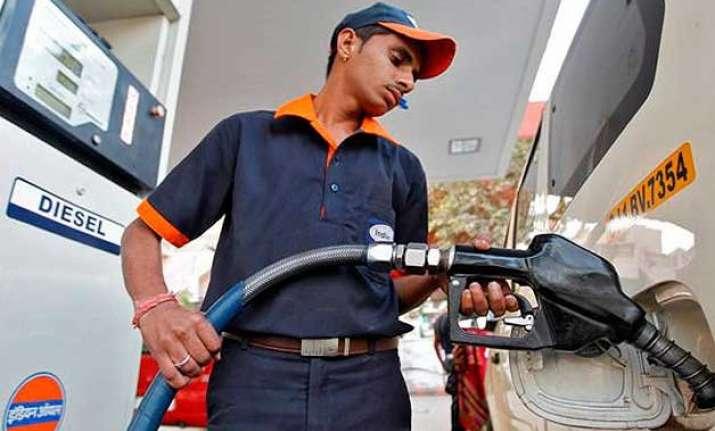 petrol diesel prices cut by rs 2 but vat spanner in delhi
