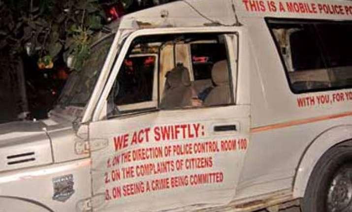 drunk girl rams santro into delhi police pcr