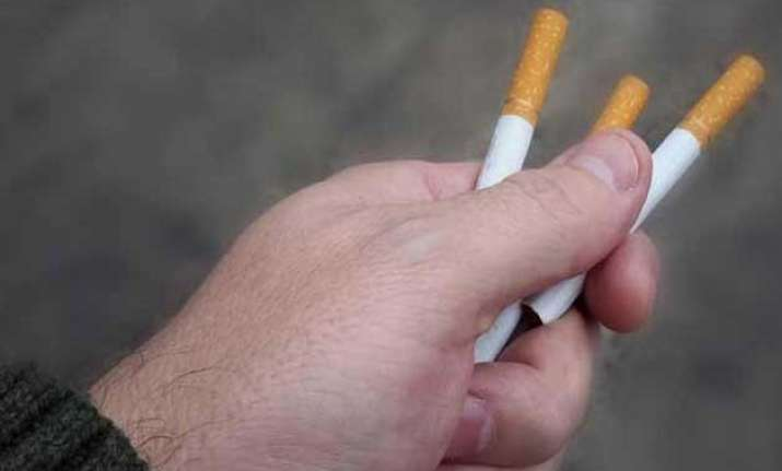 5 shopkeepers fined for selling loose cigarettes in punjab