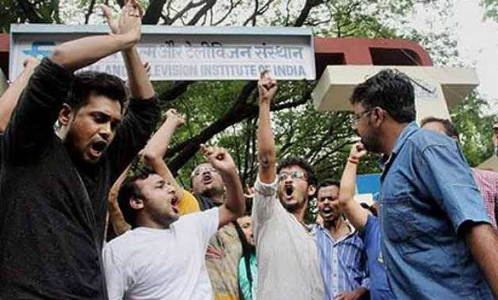3 member panel likely to submit report on ftii today