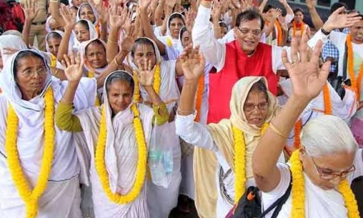vrindavan widows march for clean yamuna