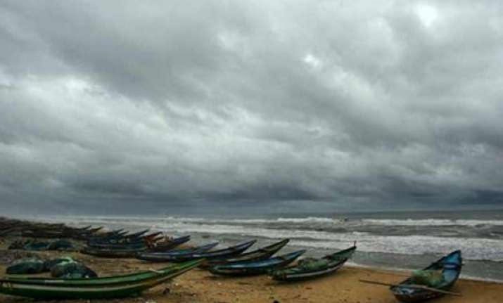 cyclone hudhud relief force airlifts metal and wood cutters