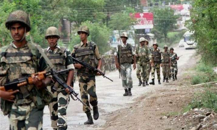 bsf hands back pakistani national to rangers