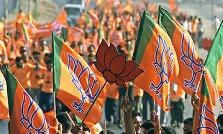 bjp hopes for smaller parties support on land bill
