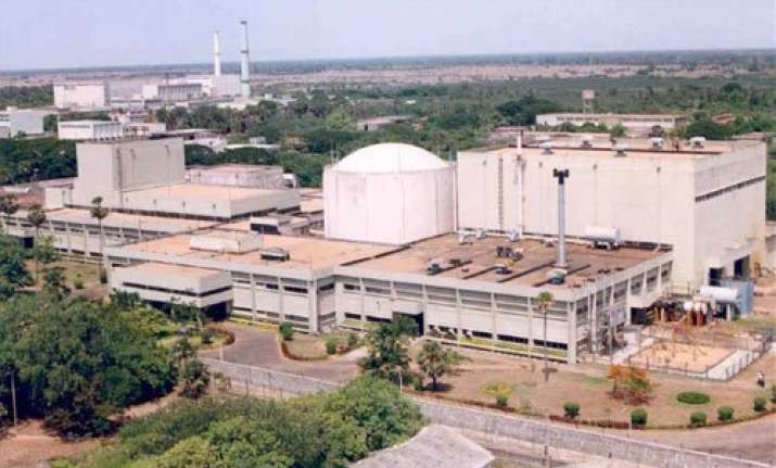 trooper kills three at kalpakkam nuclear complex