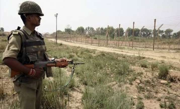 pakistani troops target indian border outpost