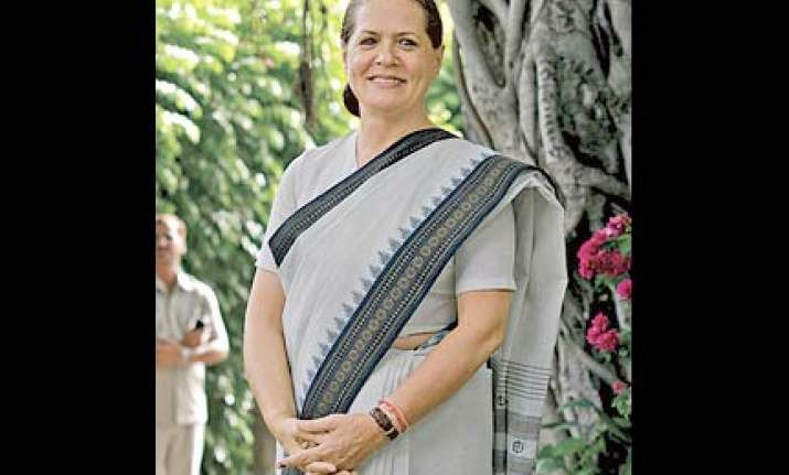 cong will have to rebuild itself in bihar sonia