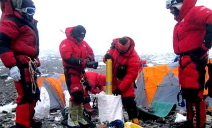 modi s swachh bharat to reach mount everest army to bring