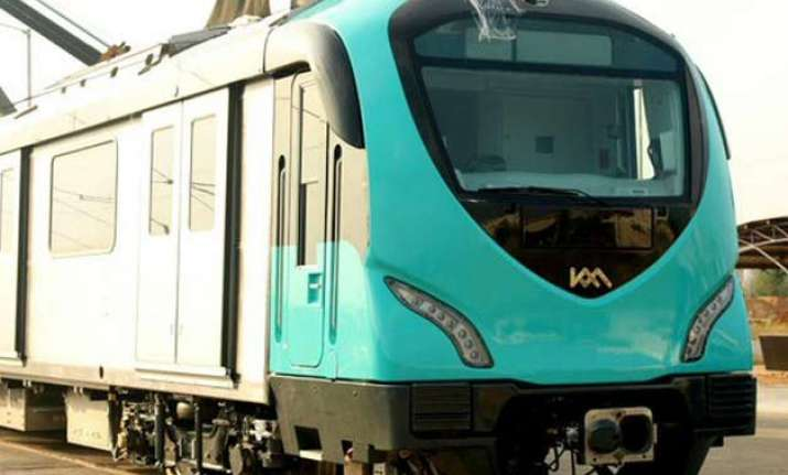 kochi metro receives first set of made in india coaches