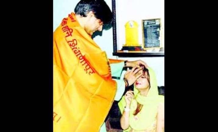 kashmiri kerala traditions to be followed at shashi sunanda