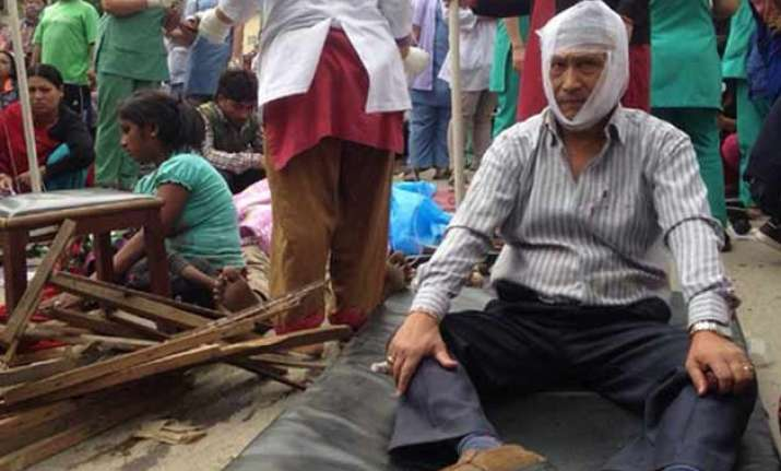 nepaldevastated five killed as tremors shake bihar