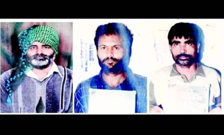 bangalore police on look out of 3 pak terrorists