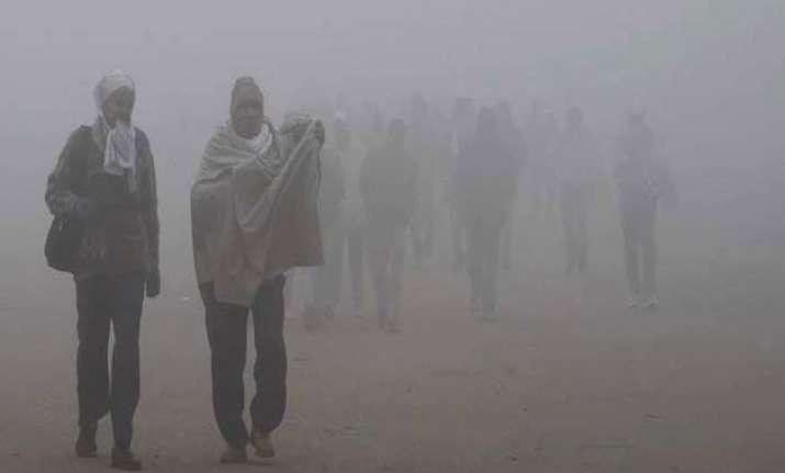dense fog drizzle make uttar pradesh chilly