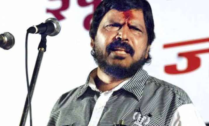 athawale to lead protest against beef ban in maharashtra