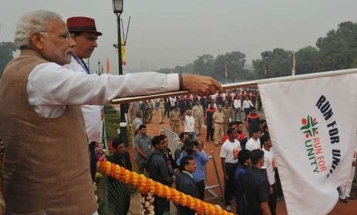 pm modi flags off run for unity at rajpath