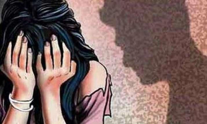 delhi university student raped in ghaziabad