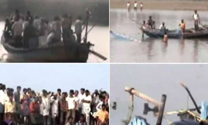 11 drown in bihar boat capsize