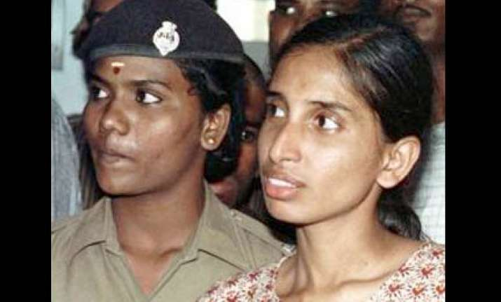 hc gives two weeks to tn govt to decide on nalini s plea