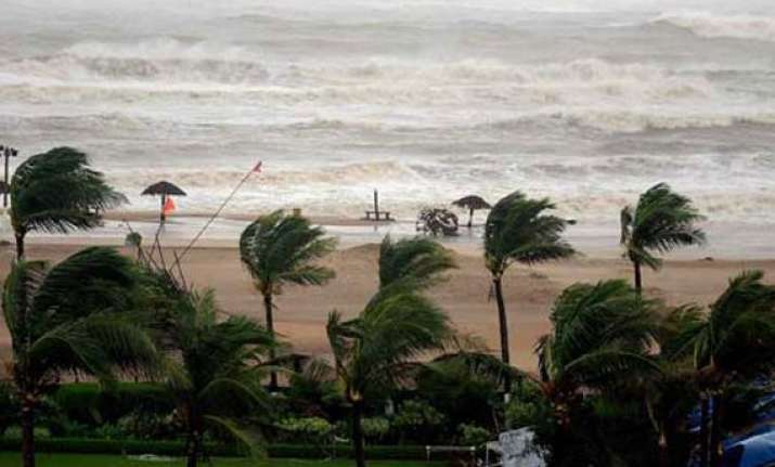 cyclone hudhud moves with fierce velocity odisha and andhra